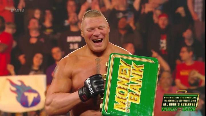 Brock Lesnar gana el maletín en Money In The Bank