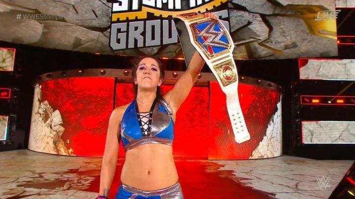 Bayley retiene el campeonato femenino de SmackDown en Stomping Grounds