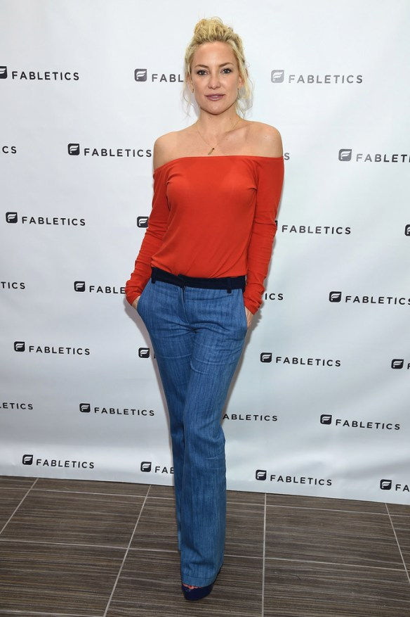 BRIDGEWATER, NJ - OCTOBER 16:  Kate Hudson opens a new Fabletics Boutique at Bridgewater Commons Mall on October 16, 2015 in Bridgewater, New Jersey.  (Photo by Dimitrios Kambouris/Getty Images for Fabletics)
