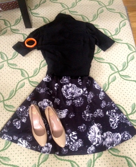 Clothes from my closet - a floral print a-line skirt with neutral pumps