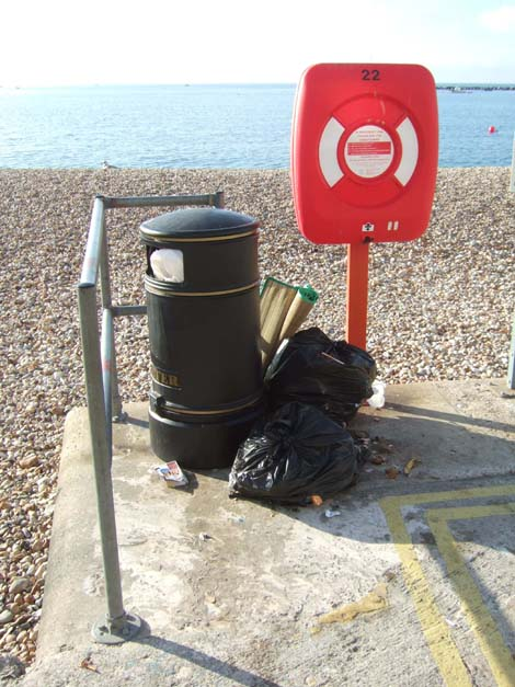 litter-bin-and-debris-1.jpg