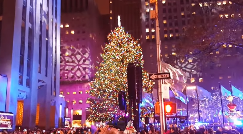 Thousands attend Rockefeller Christmas tree lighting