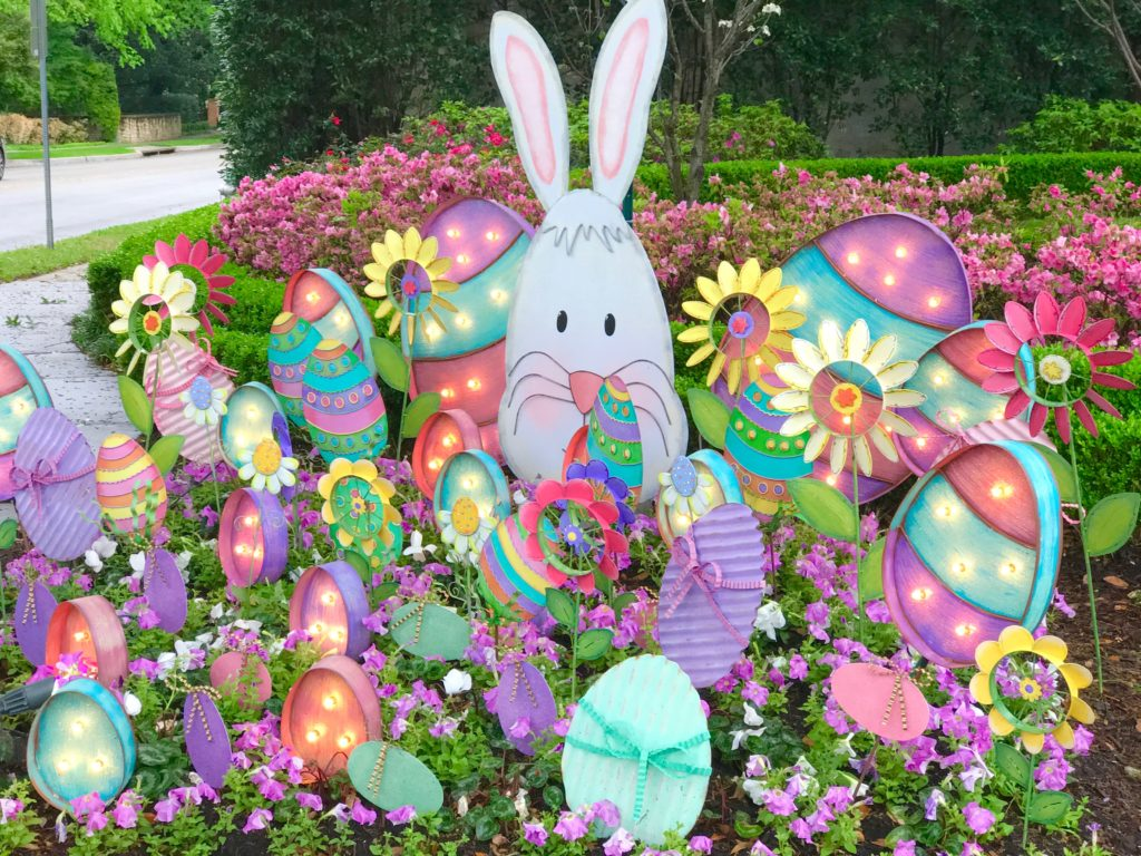 Outdoor Easter Decorations!
