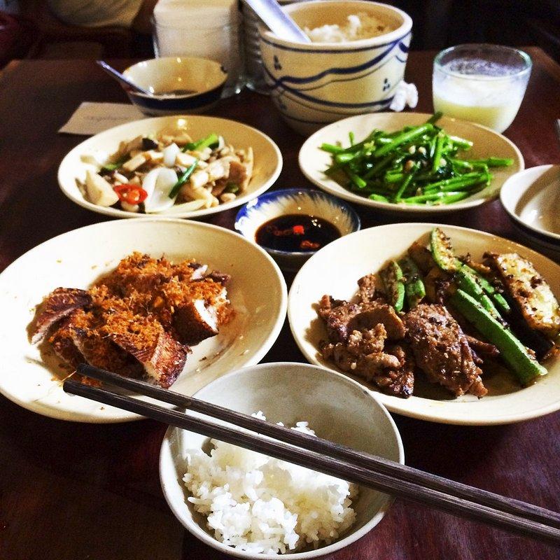 Fabulous food in a pretty popular little café in Ho Chi Minh City, Vietnam!