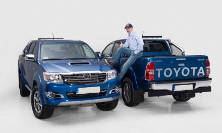 Toyota Hilux Invincible oficjalnym samochodem zespołu Małysz-Marton