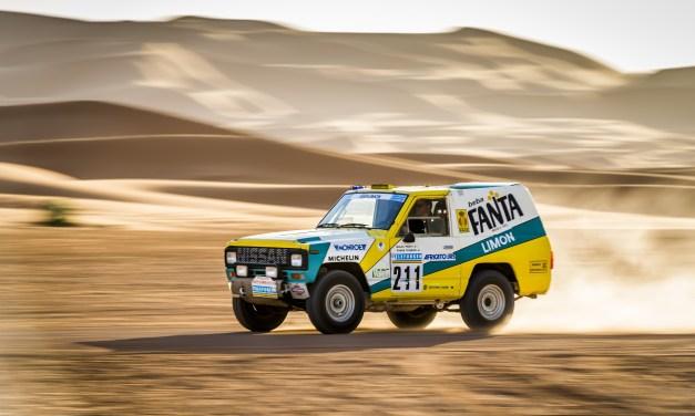 30 lat minęło: kultowy Nissan z rajdu Paryż-Dakar 1987 wraca na Saharę