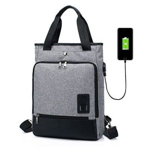 mochila de color gris con usb