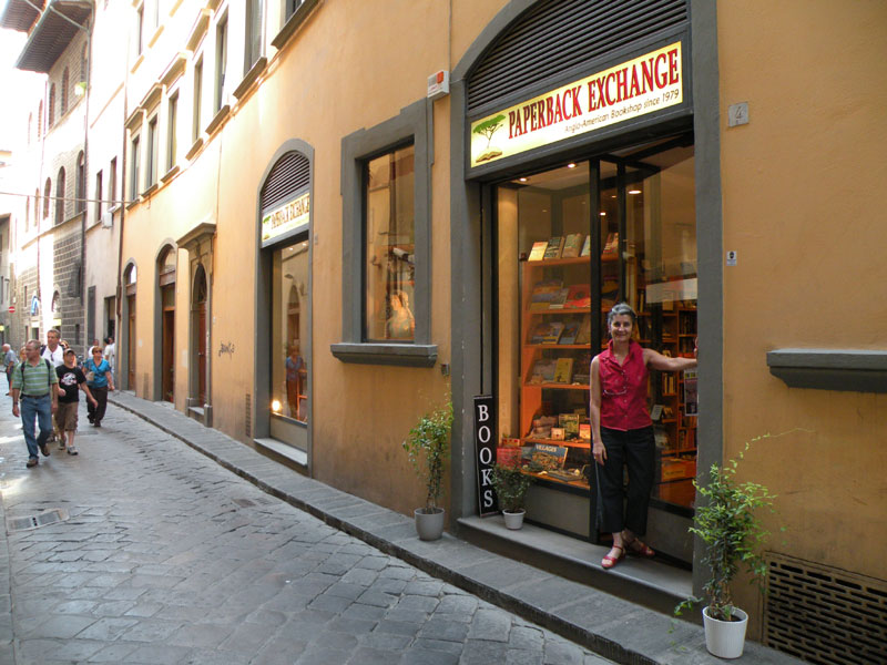 cozy chairs for reading cheap gaming dove vai? – refuge in a bookshop | tuscan traveler
