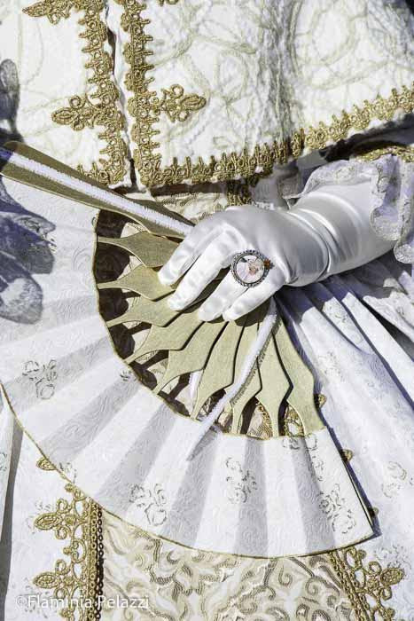 Detalle de un disfraz del Carnaval de Venecia