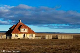 Grandes estancias abandonadas son mudos testigos de la industria ovejera que fue motor del desarrollo de esta zona