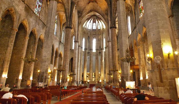 Basílica de Santa María del Mar. Foto Amaianos. Licencia Creative Commons.