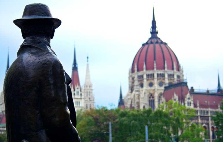 Vista de la cúpula del Parlamento Húngaro
