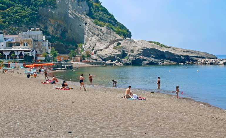 Playa dei Maronti en Ischia