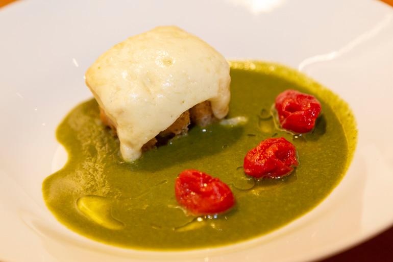 La sopa de hinojo salvaje fue quizás el plato estrella del menú servido en la presentación de Cerdeña