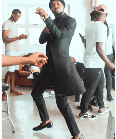 How The Shaku Shaku Trend Defies The Nigerian Class Standards
