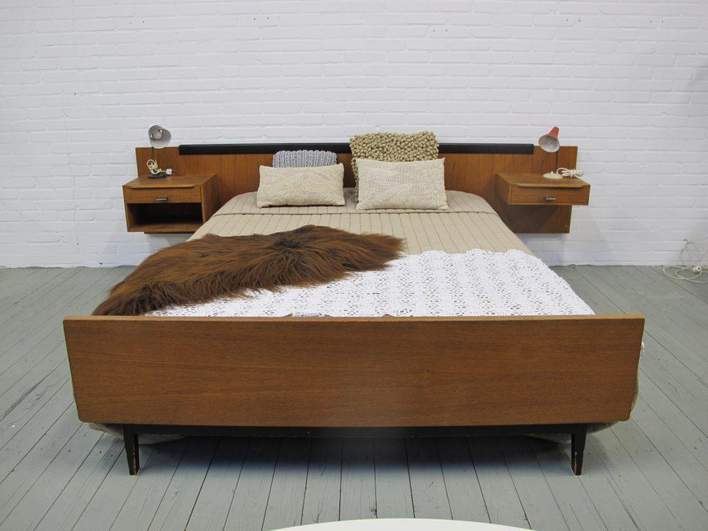 Pastoe Cees Braakman stijl bed minimalistisch model