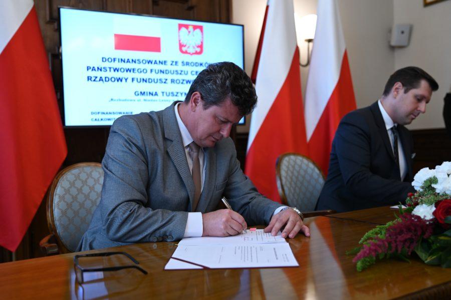 Umowa Wojewoda 2 900x599