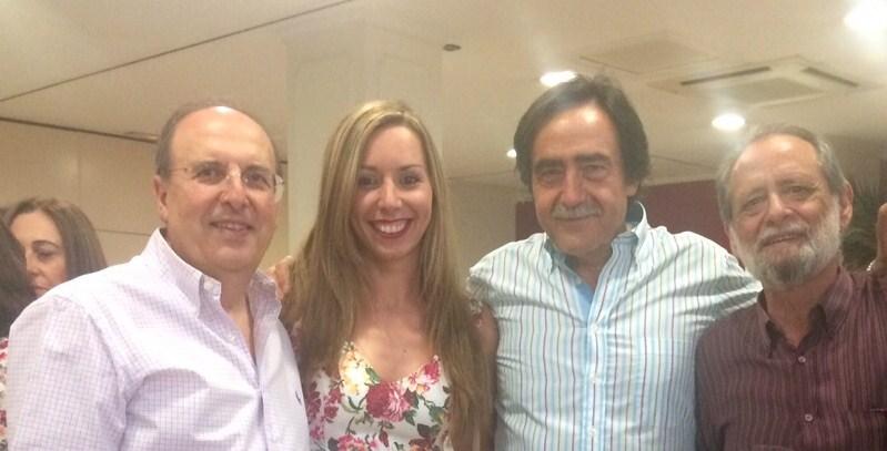 Comida de Despedida. Antonio Fernández, Reyes Sampedro (Historia), José Ángel Gallardo (Matemáticas) y  Manuel Caballero (Matemáticas).
