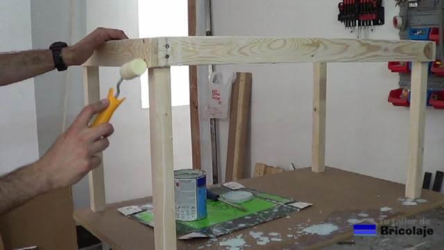 Cmo hacer una mesa de madera para nios con tornillos