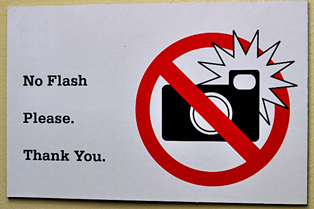 no-flash-sign