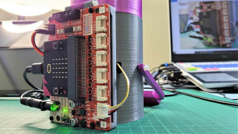 Build a Hungry Robot using REKA:BIT in 1 minute