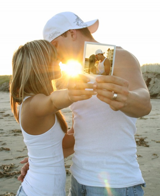 25 Heart Touching Couple Pictures  Tutorialchip