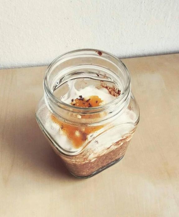 overnight oats colazione al volo colazioni sana salutare fit healthy cibo sano avena fiocchi semi chia cacao