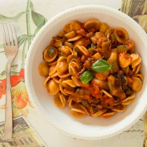 sugo svuotafrigo alle verdure passata zucchine melanzane pomodoro pasta primo piatto light