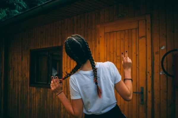 trecce haircare routine ragazze capelli cura prodotti acconciatura treccia