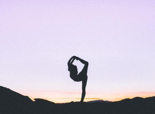 Come iniziare con lo yoga: consigli per principianti