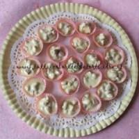 Cestini di cioccolato bianco e mandorle