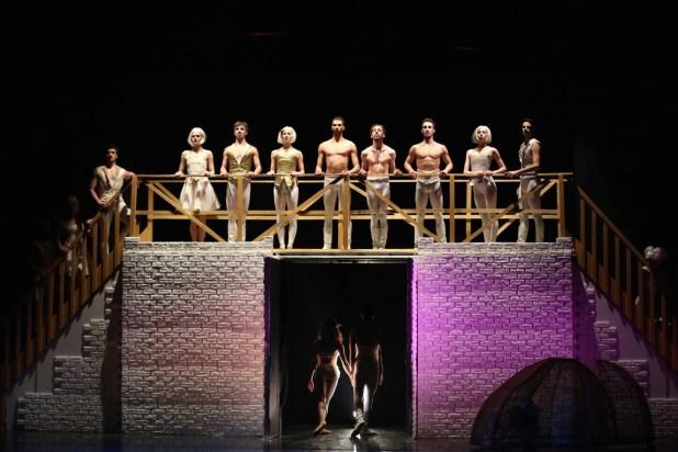 """""""Romeo e Giulietta"""". © Ph. Carla Moro e Aurelio Dessì - Balletto di Milano."""