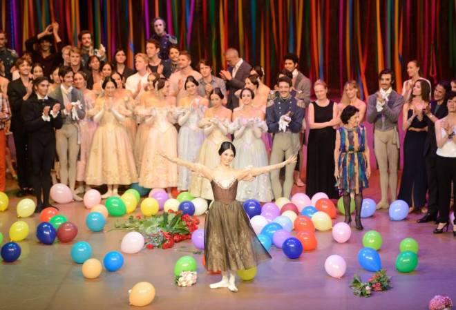 """Sue Jin Kang al termine di """"Onegin"""" riceve l'ovazione di tutti i presenti. © Ph. Stuttgart Ballet."""
