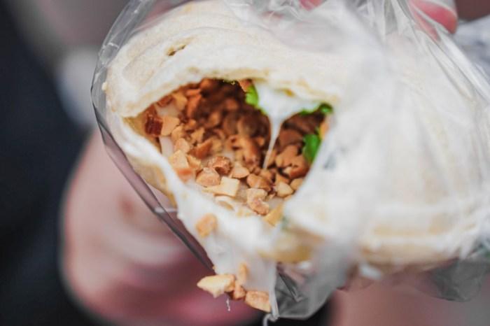 |新竹城隍廟甜點|米滋食舖白色麥芽餅茯苓糕-延續四十年手藝的古早味點心