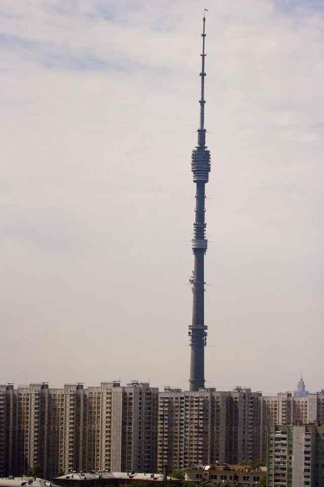 Сравнение телебашни с 22-этажным домом, 2012.