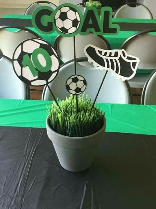 centro de mesa para fiesta infantil de futbol  Decoracion