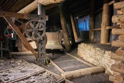 Dźwig do podnoszenia wagoników z węglem
