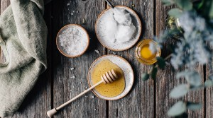 Homemade Body Scrub with Coconut Oil & Honey