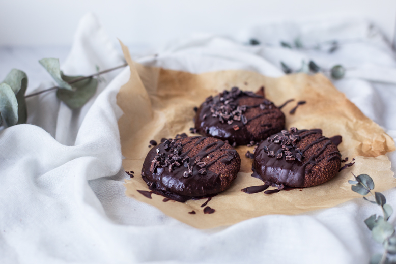 Double Chocolate Oat Banana Cookies (gf + v)