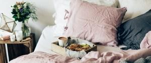 Sunnuntai sängyssä: Gluteenittomat päärynäskonssit