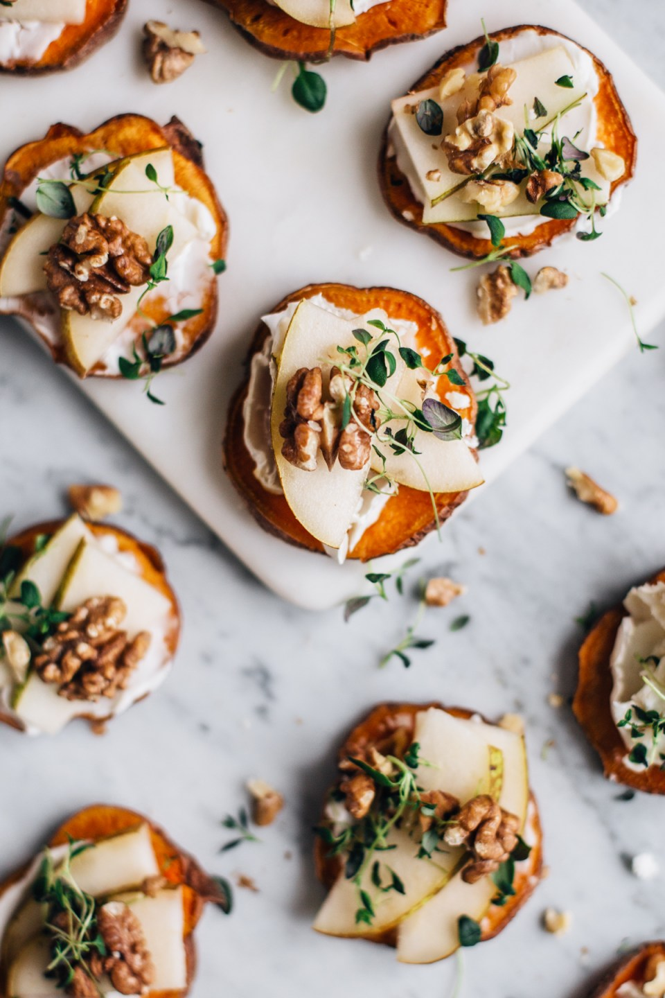 Sweet Potato Crostinis w/ Cheese, Pear & Thyme | tuulia blog