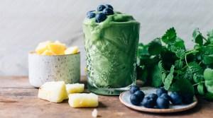 Smoothie Sundays: Tropical Greens