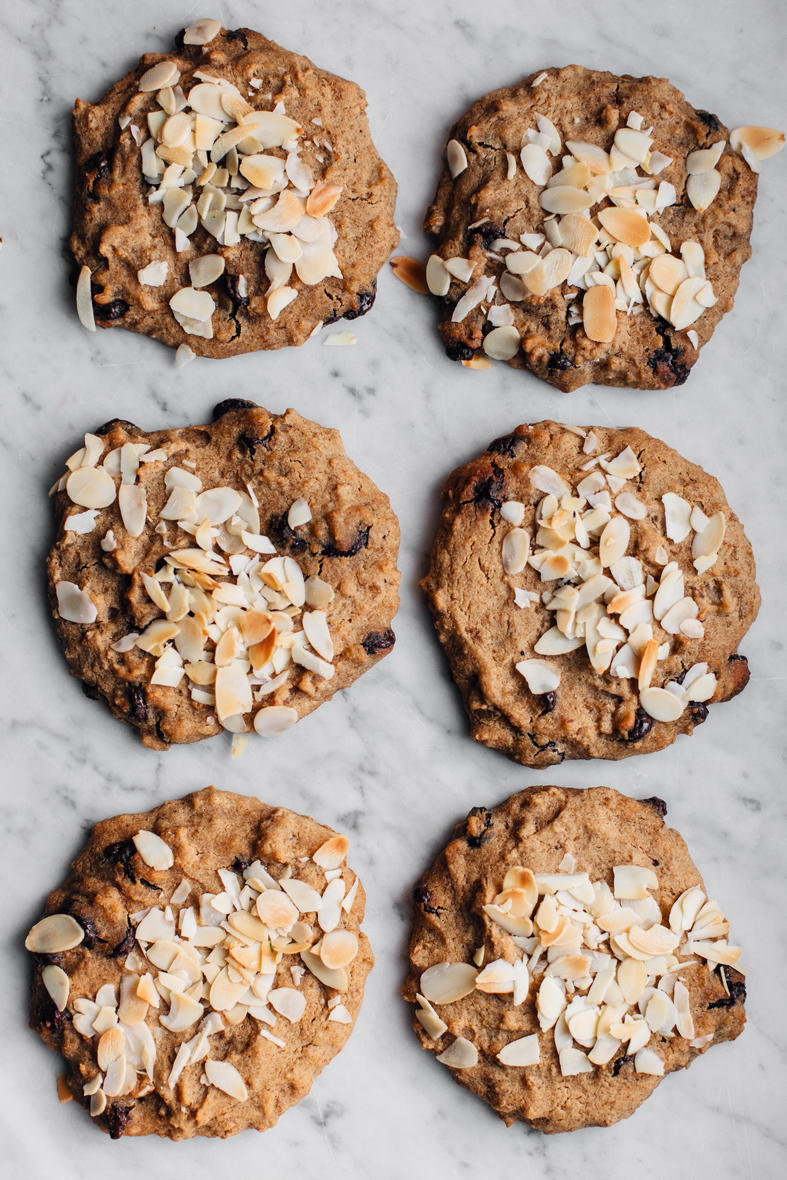 Leftover Oatmeal Chocolate Chip Cookies (GF) | tuulia blog