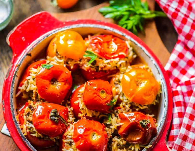 Lamba-veise hakkliha ja basmati riisiga täidetud tomatid
