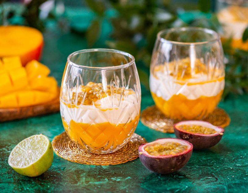 Troopiline toorjuustukreem mango ja kireviljaga