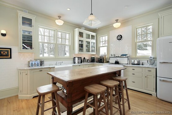 :: 3 Ways To Make Your Kitchen Look Vintage ::