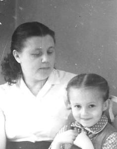 Ar mammu. Foto no personīgā arhīva