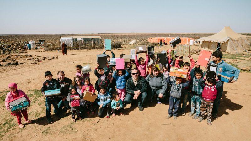 """Jordānijas un Sīrijas robeža. Pie bēgļiem ar """"Zvaigzne austrumos"""" dāvanām."""