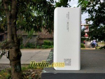 Review Romoss Sense 4 LED 10400mAh