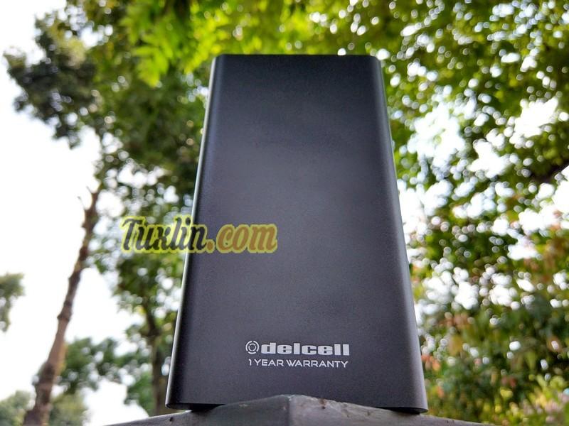 Review Delcell Neo 10000mAh Power Bank: Tipis & Kuat dengan Casing Metal